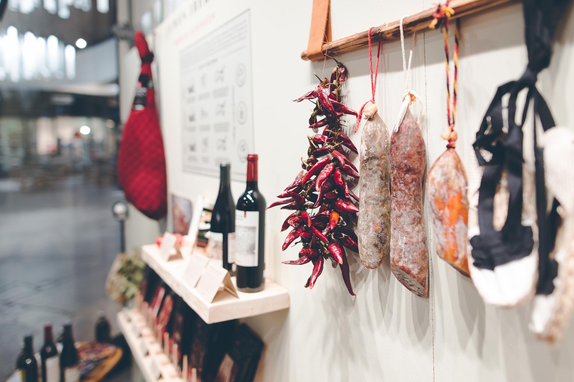 Foto von spanischem Wein und Lebensmitteln entstanden beim Eventfotografie Auftrag in München