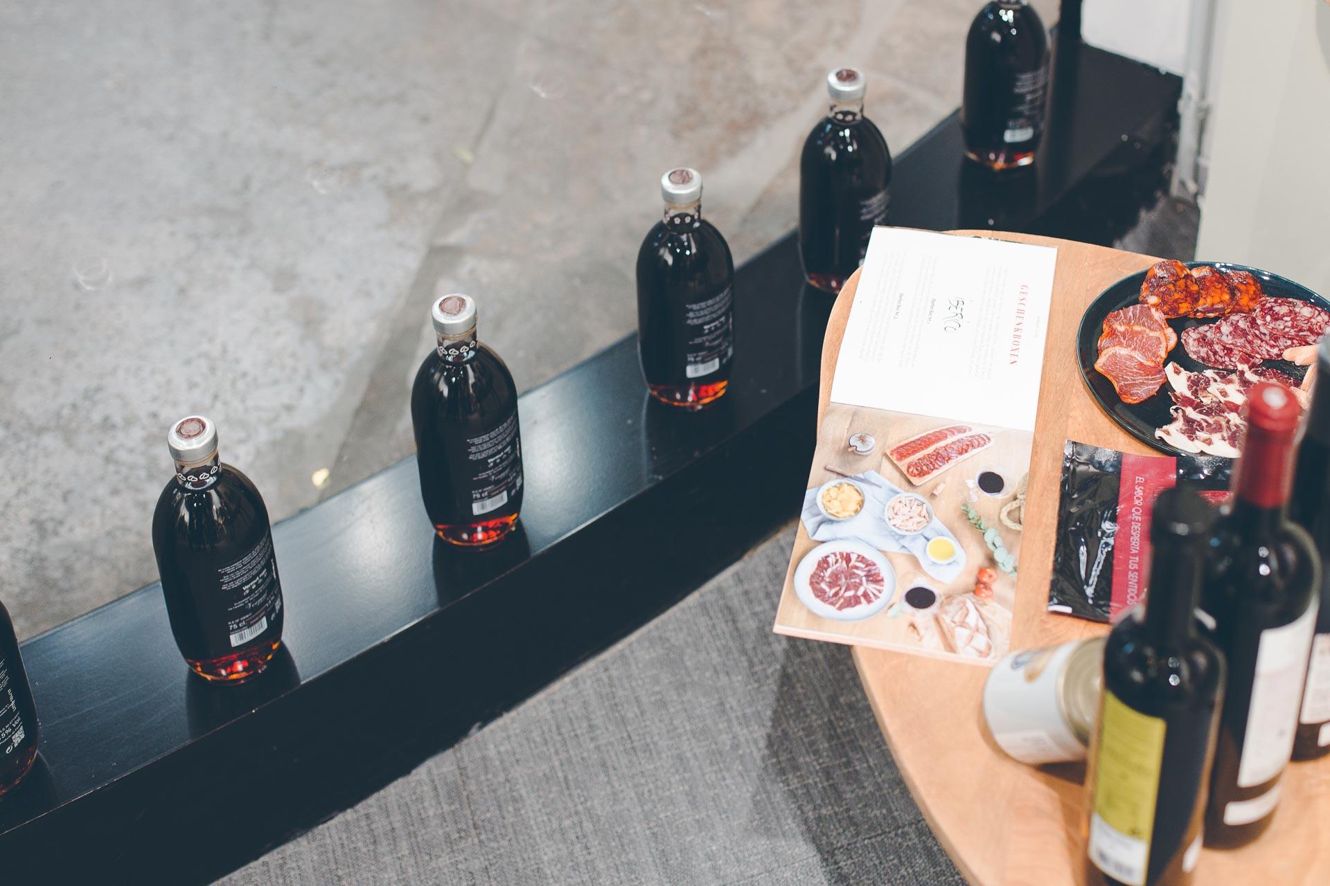 Verschiedene spanische Lebensmittel von Wermon im Pop-Up Store fotografiert von Scrowl München Eventfotografie