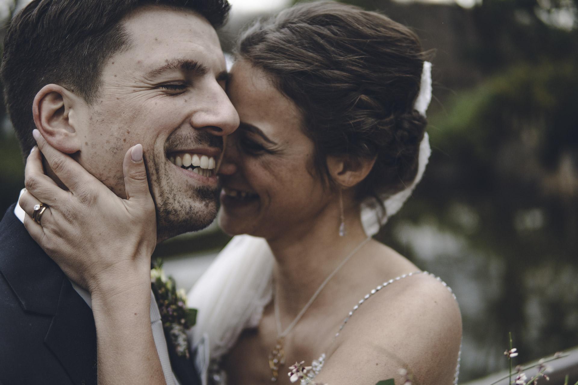 Hochzeit Shooting in München mit glücklichen Brautpaar