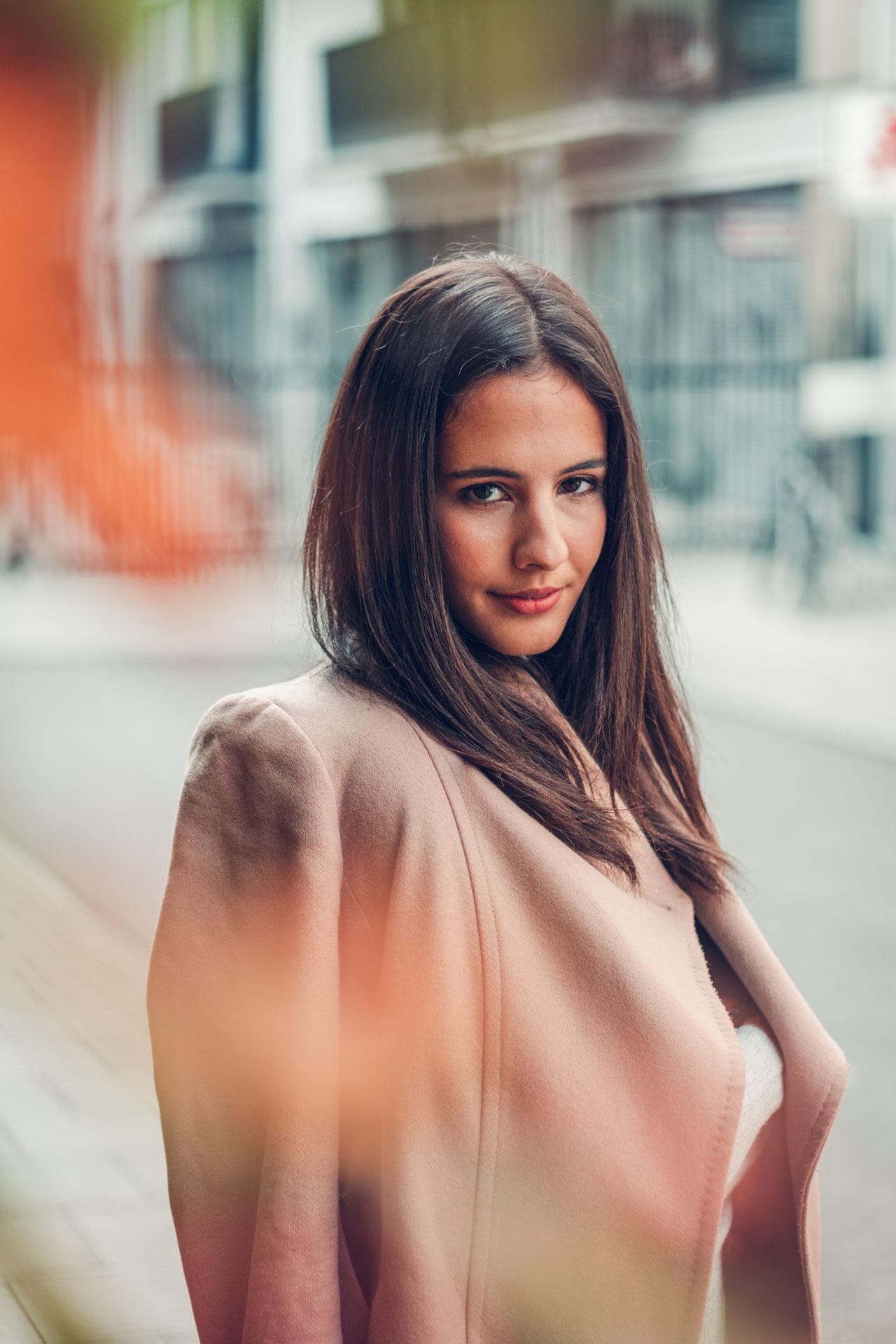 Portrait im Herbst in München von Bloggerin